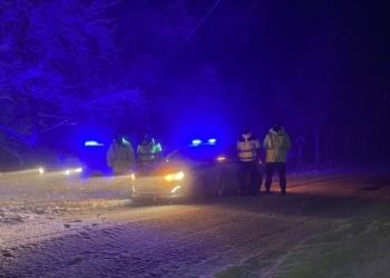 Aστυνομικοί της Τροχαίας Πολυγύρου  εν ώρα υπηρεσίας για την ασφαλή κυκλοφορία των οχημάτων